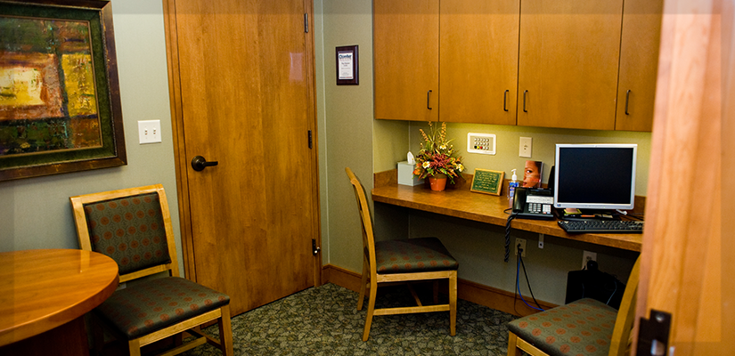 <strong>The Consult Room</strong> The consult room is a private space for you to meet with one of our dentists to discuss treatment plans and to get answers to any questions you have in a more comfortable setting.